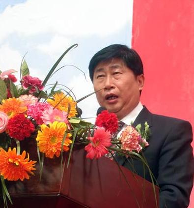 王永明:新疆服装产业怎样实现跨越式发�K展
